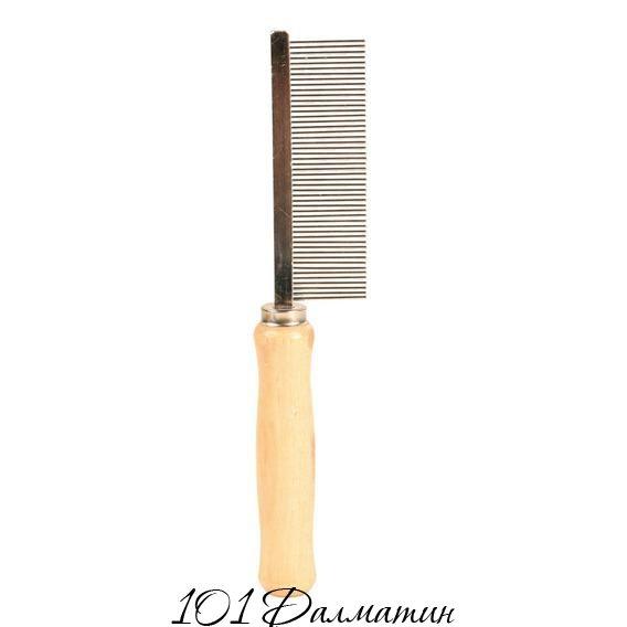 Расческа с деревяной ручкой